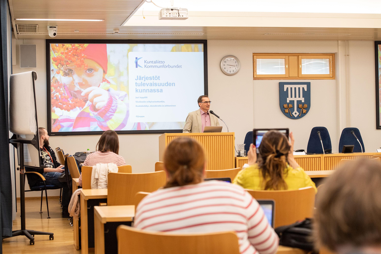 Miniseminaari Monkolassa Lohjan kaupungin työntekijöille 25.4.2019